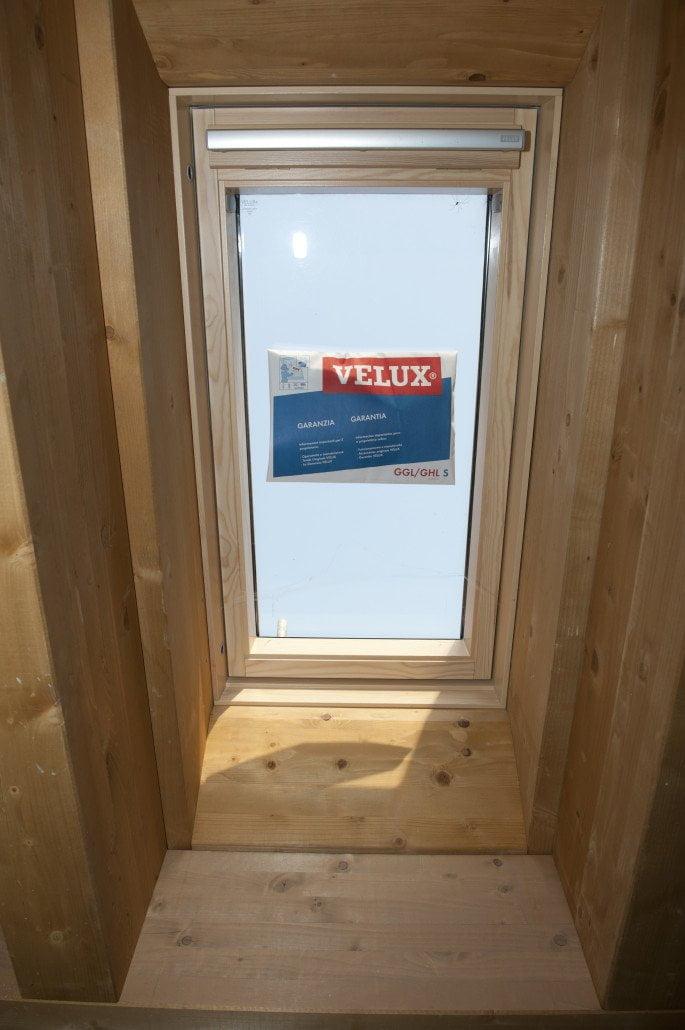 Tetti in legno bergamo milano lecco lombardia - Prezzi velux finestre per tetti ...