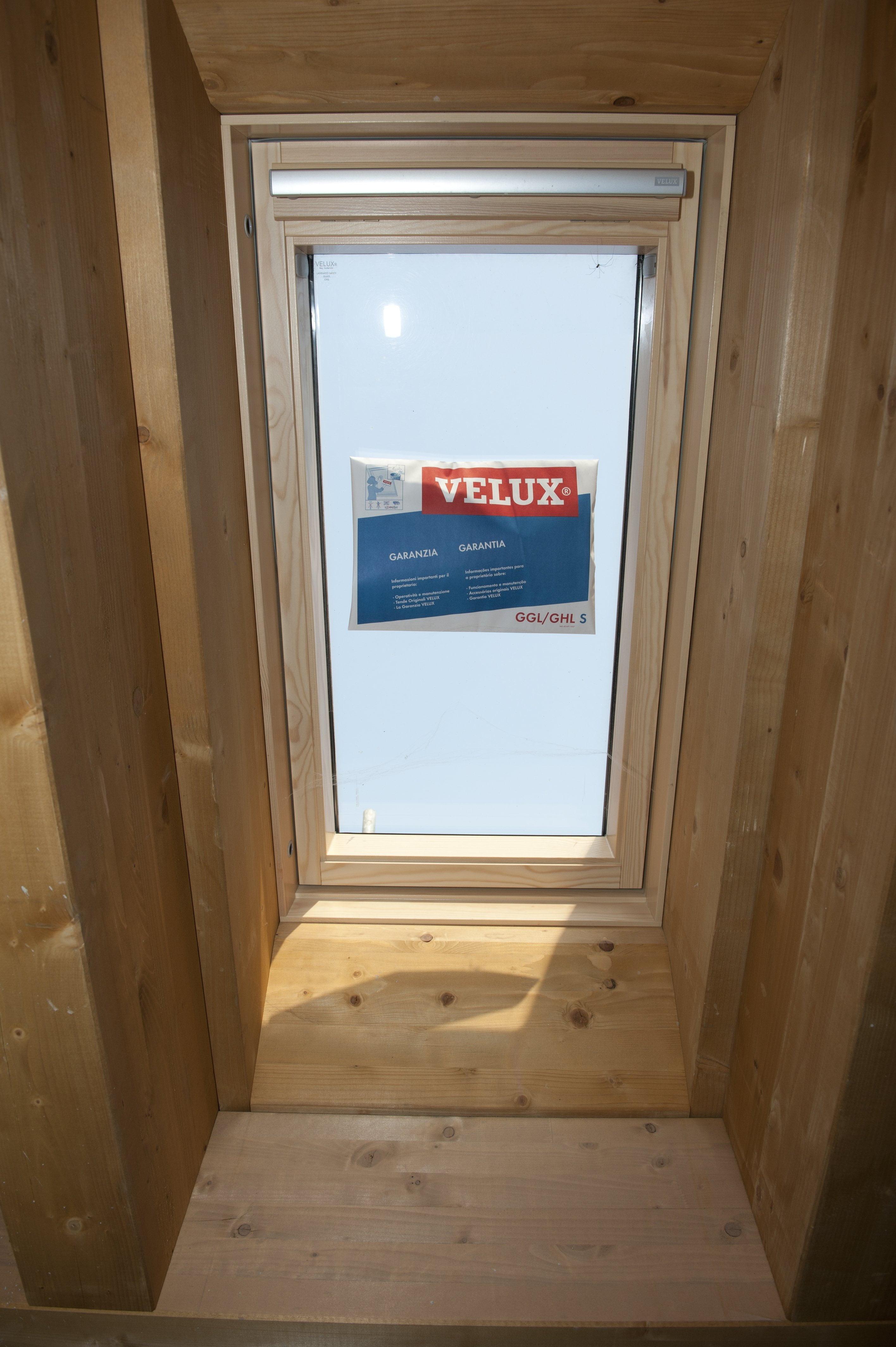 11 telaio in legno per finestra da tetto velux