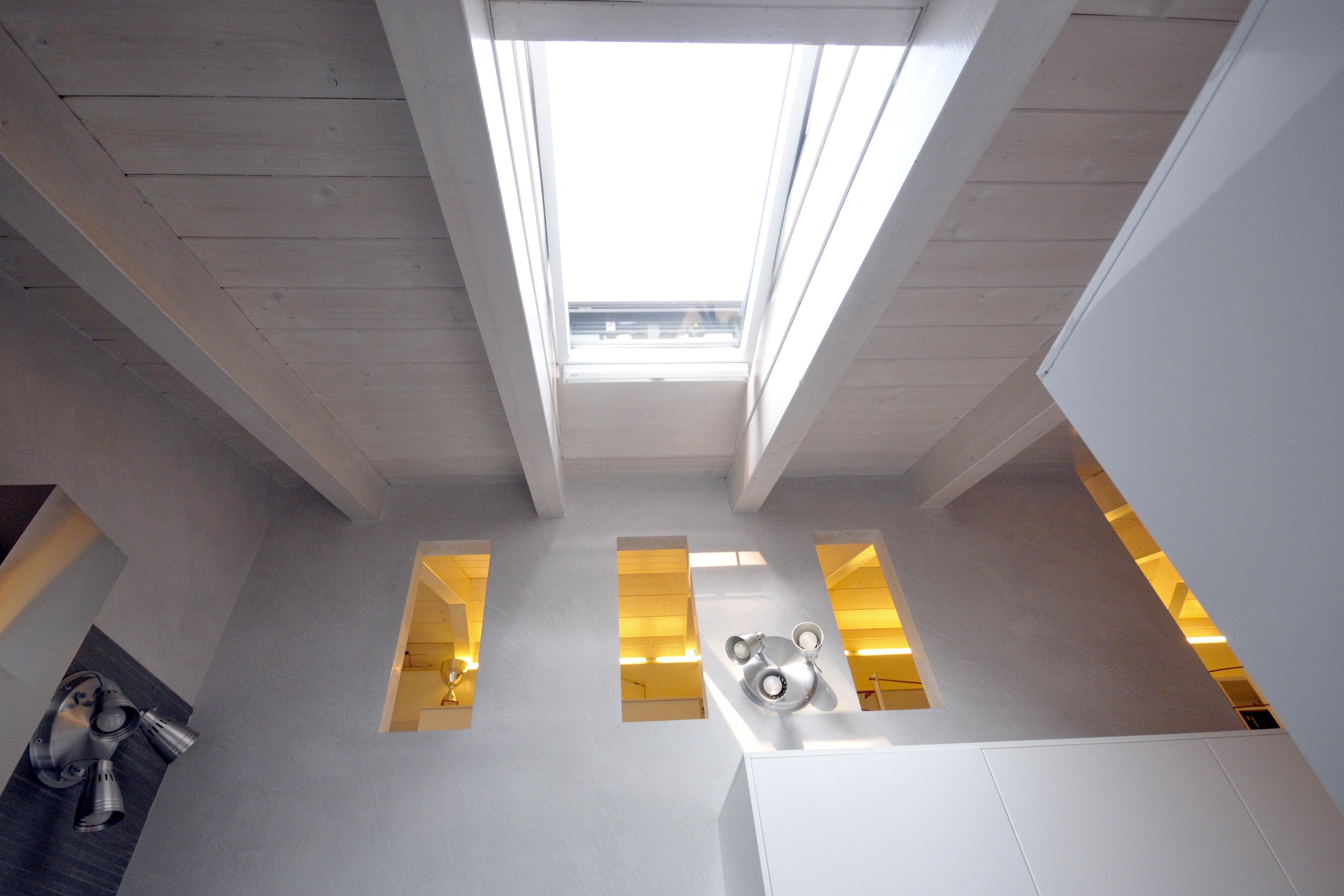 5 sottotetto abitabile legno abete impregnato bianco for Sottotetto in legno