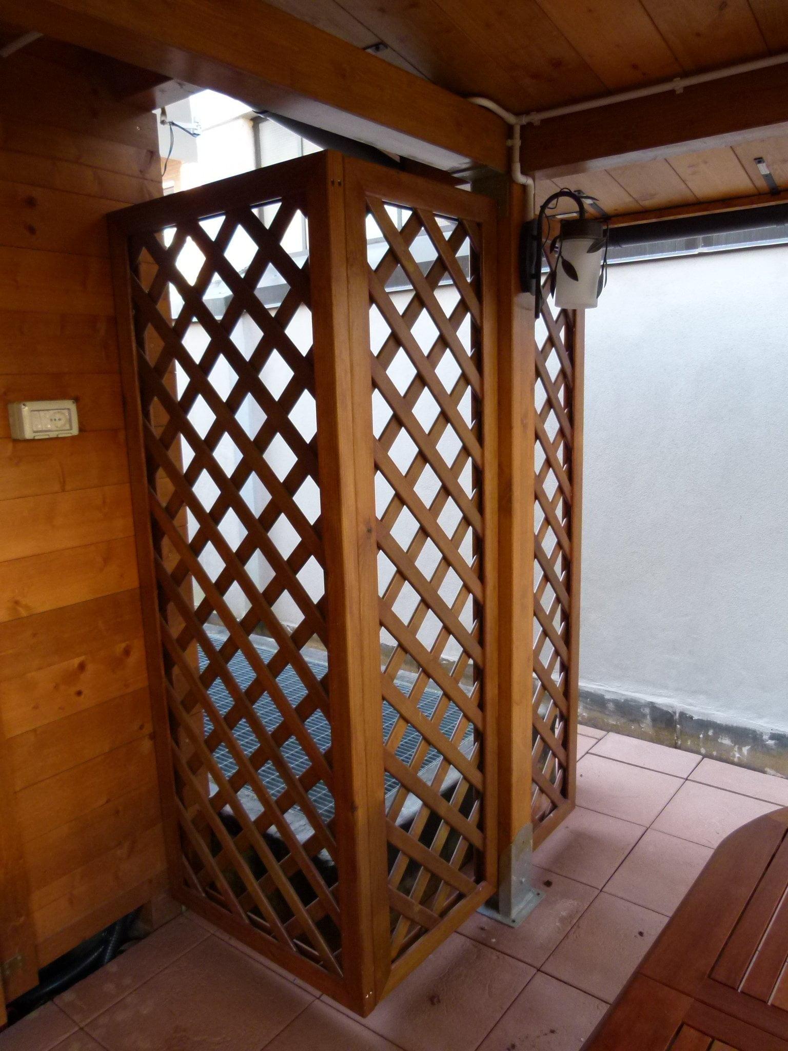 Grigliato di legno per esterno monza cereda legnami for Grate in legno per balconi