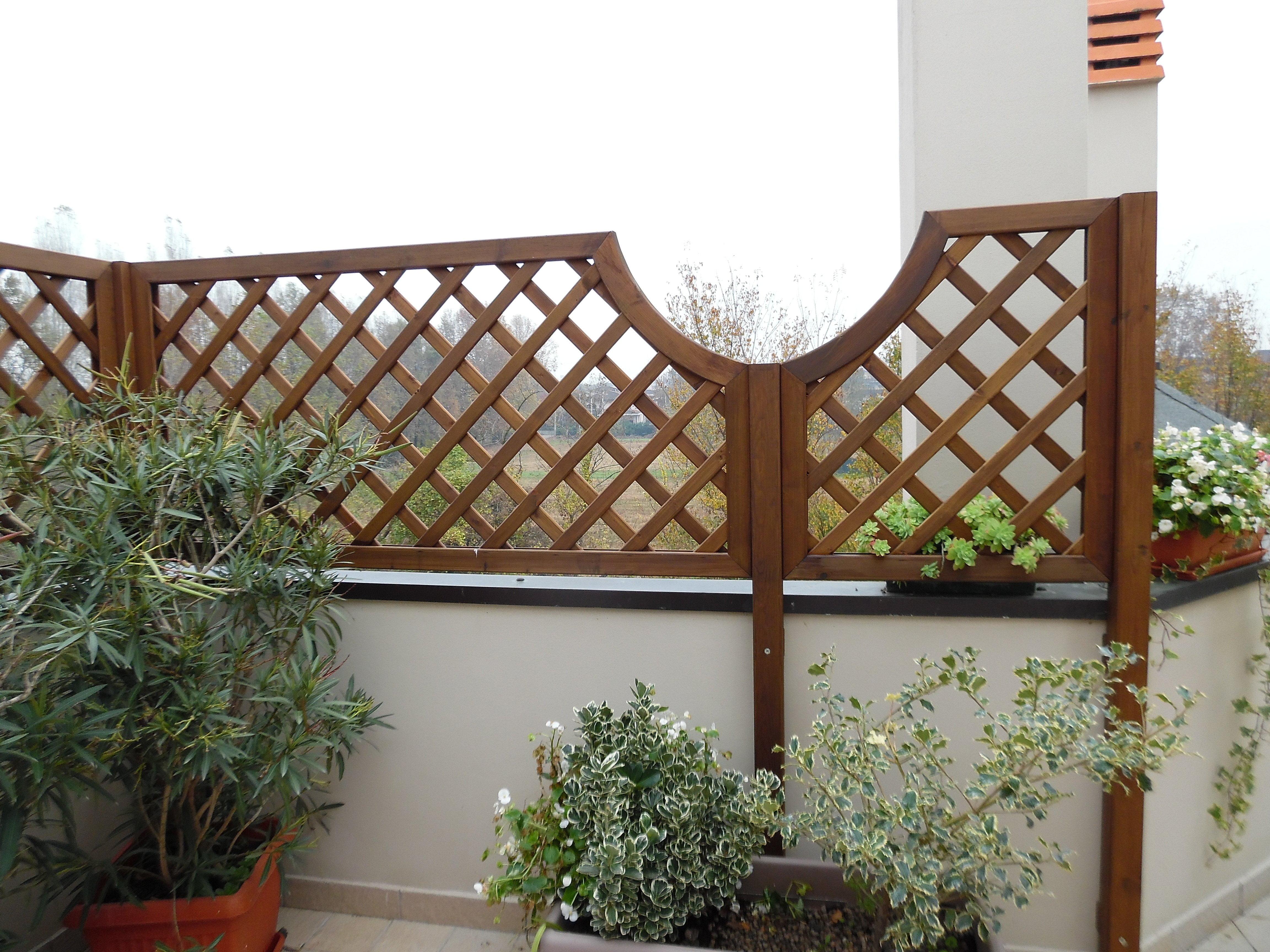 Griglie in legno e fioriere di grandi dimensioni in legno for Impregnante per legno esterno prezzi