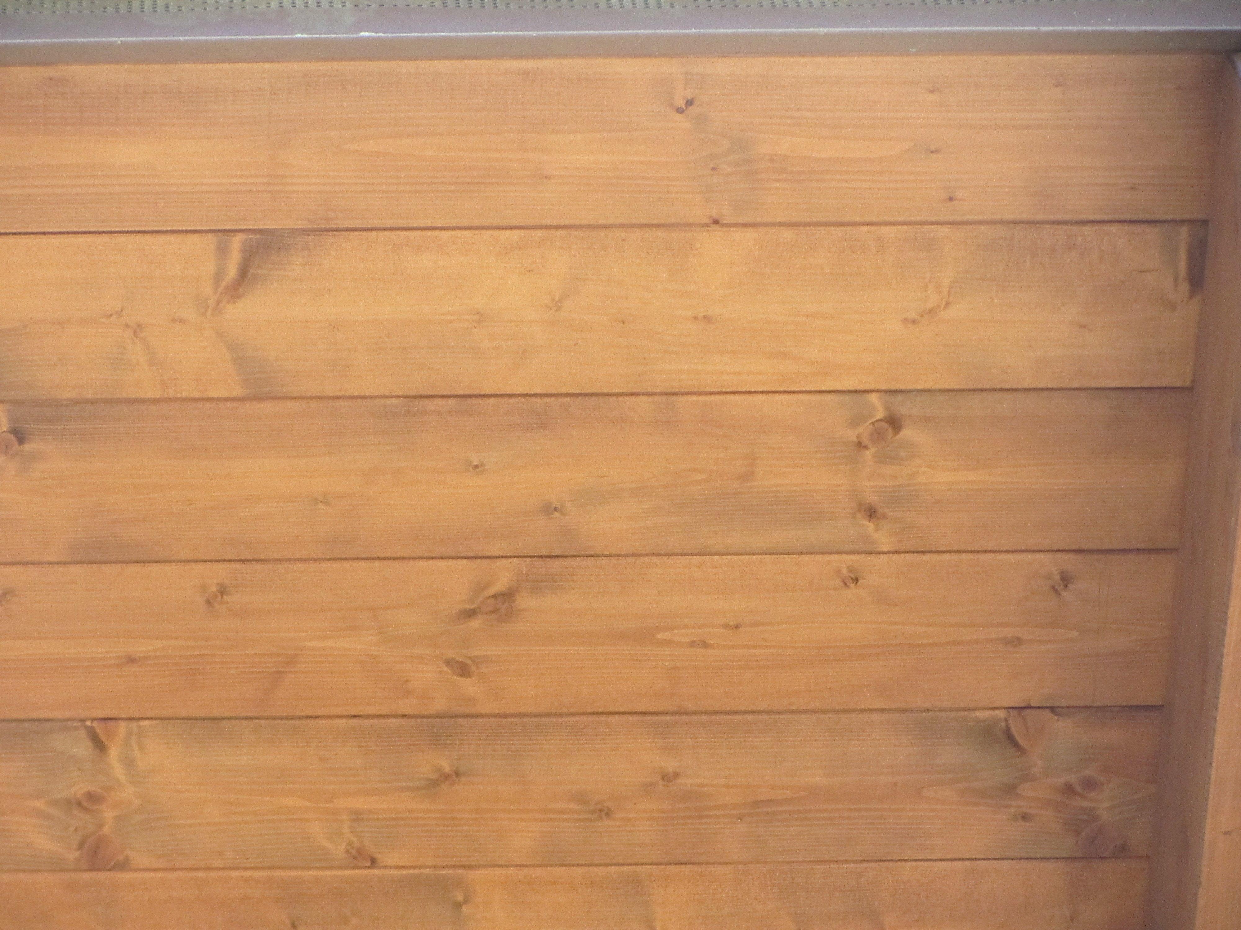Soluzioni salvaspazio cucina - Rivestimento pareti interne in legno ...