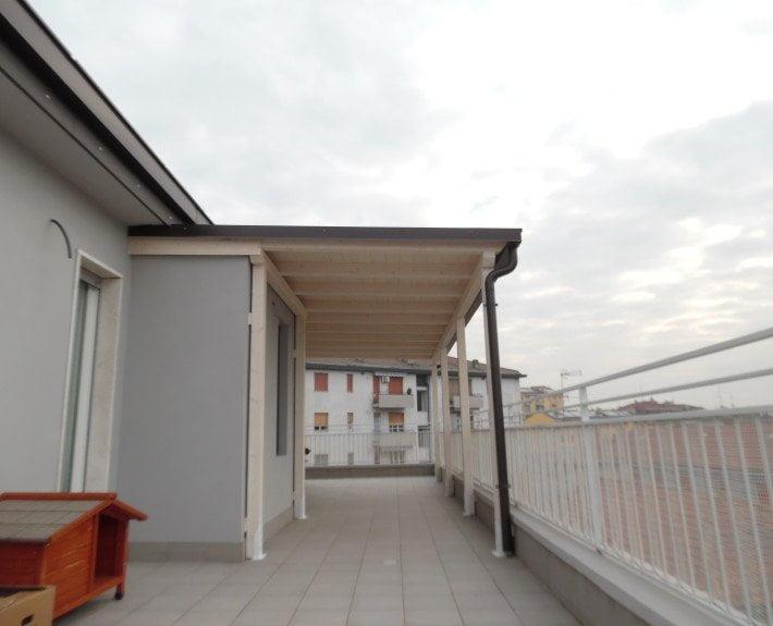 tettoia in legno addossata Milano