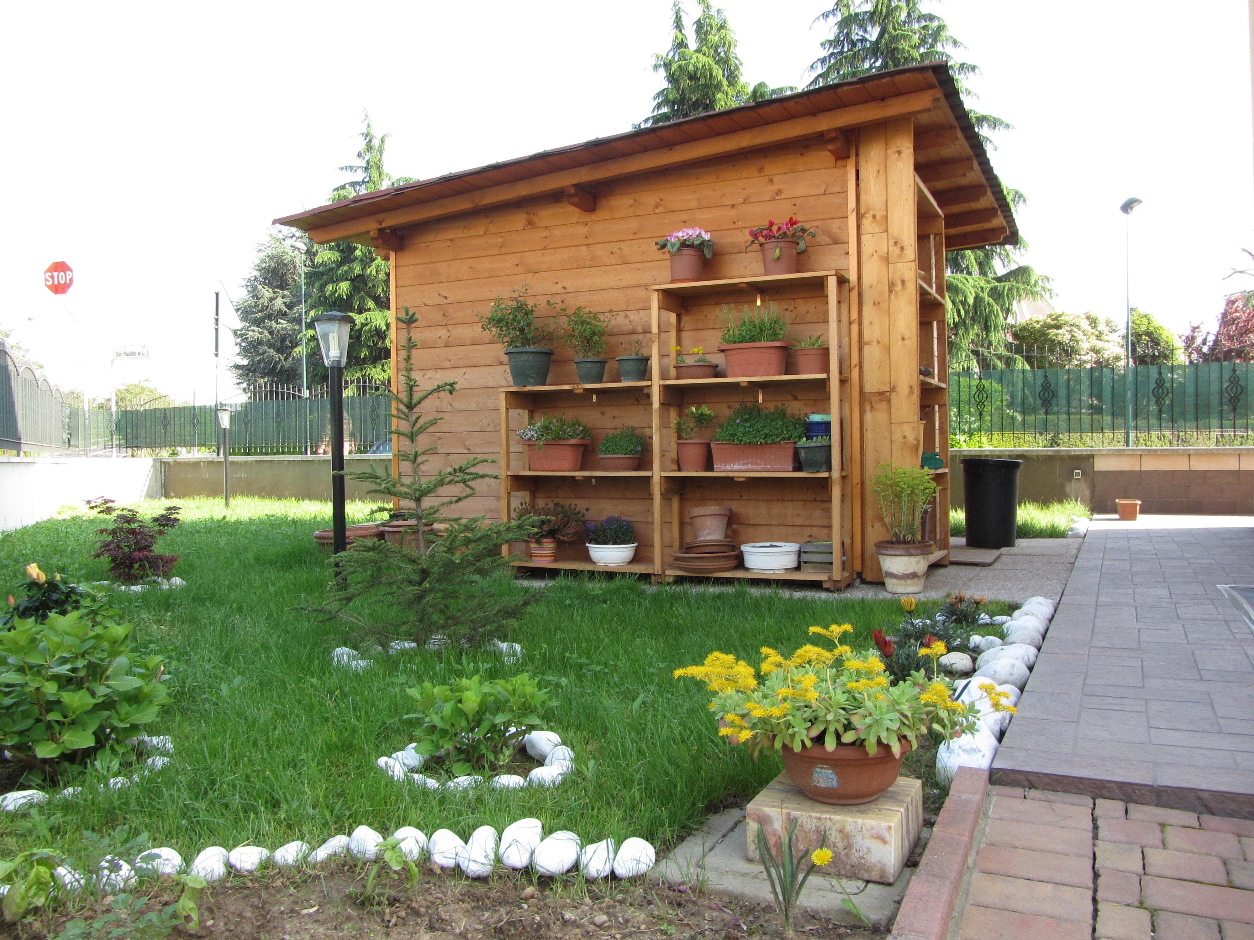 Casetta in legno economica costruita fai da te milano - Parete in legno fai da te ...