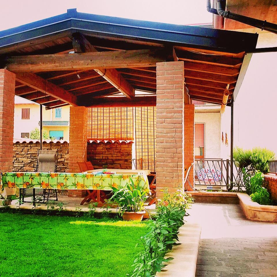 Alcune soluzioni di strutture in legno per esterno for Cassapanche in legno per esterno