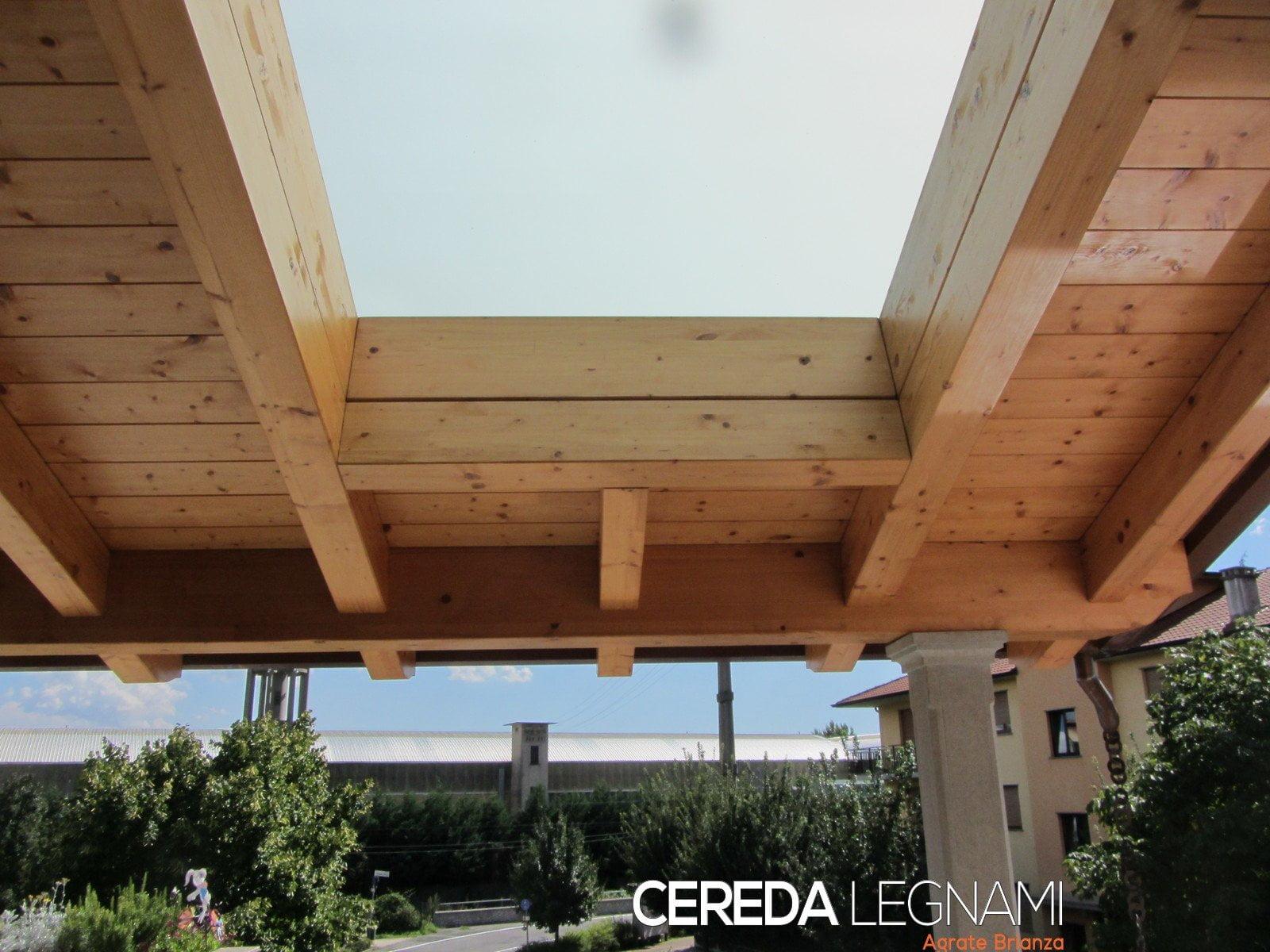Tettoia con vetrata cereda legnami agrate brianza for Velux tetto in legno
