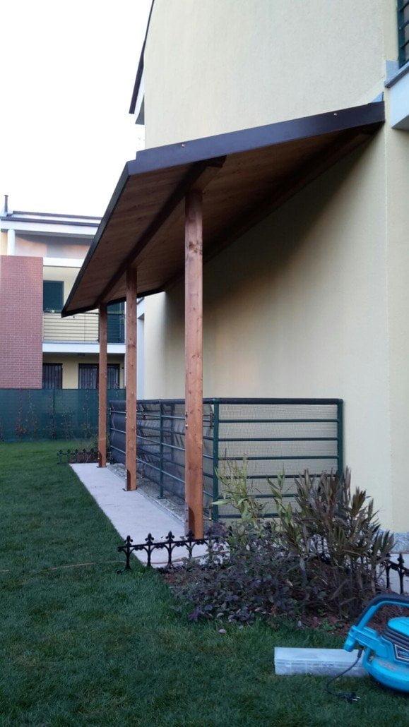 Portico legno for Ville con portico in legno