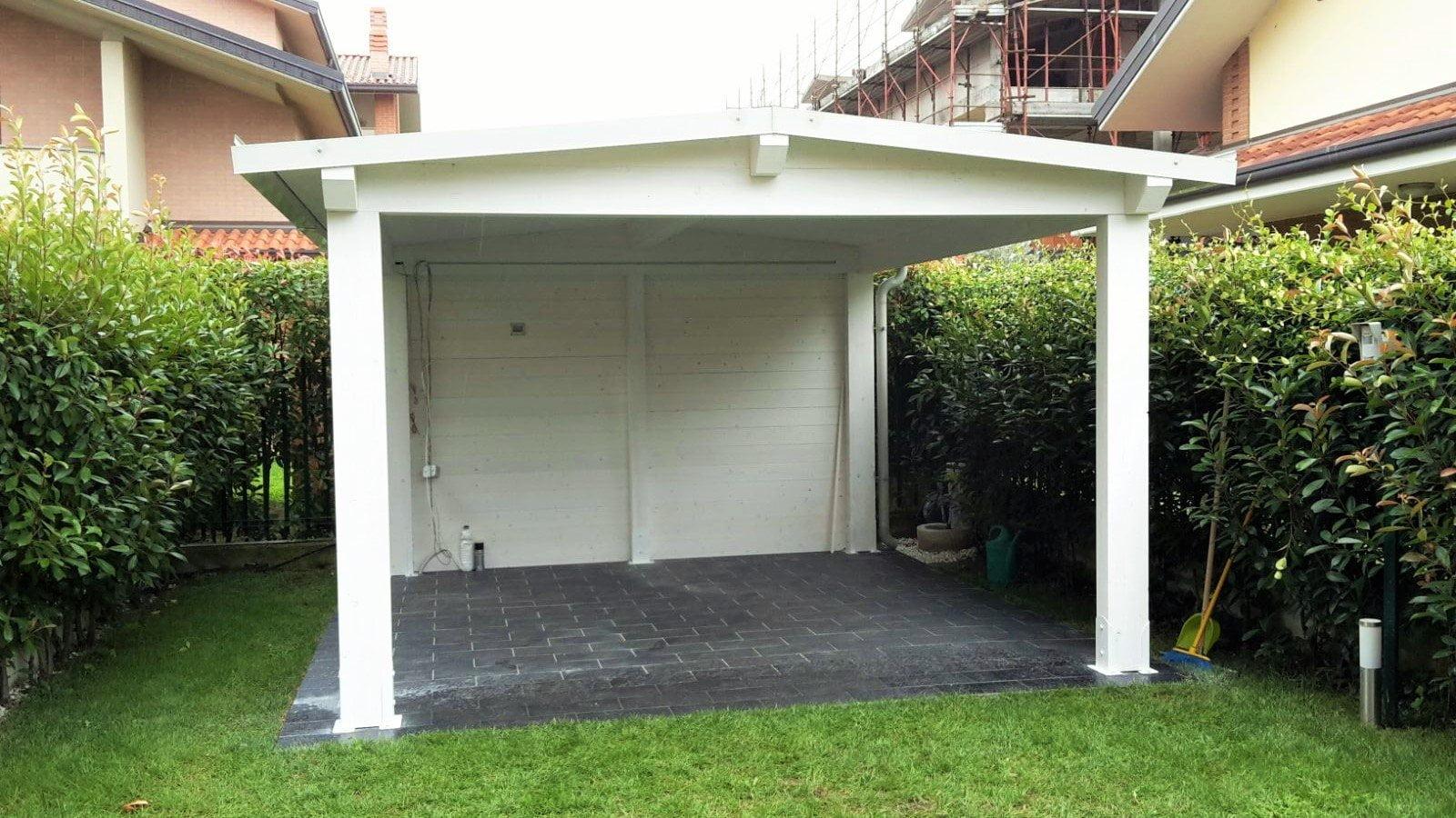 Tettoie legno lamellare bianca per esterno cereda for Pilastri per una casa