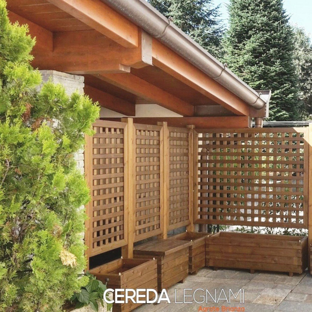 Divisori legno per balconi e terrazzi cereda legnami for Divisori da giardino in plastica