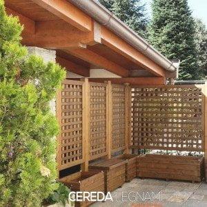 fioriere in legno per esterno, ideali per terrazzi, balconi e giardino. Sitemi completi con panche e panchine in legno