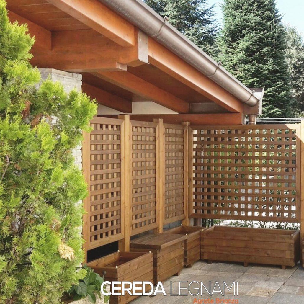 Vasi fioriere e grigliati in legno cereda legnami for Divisori da esterno