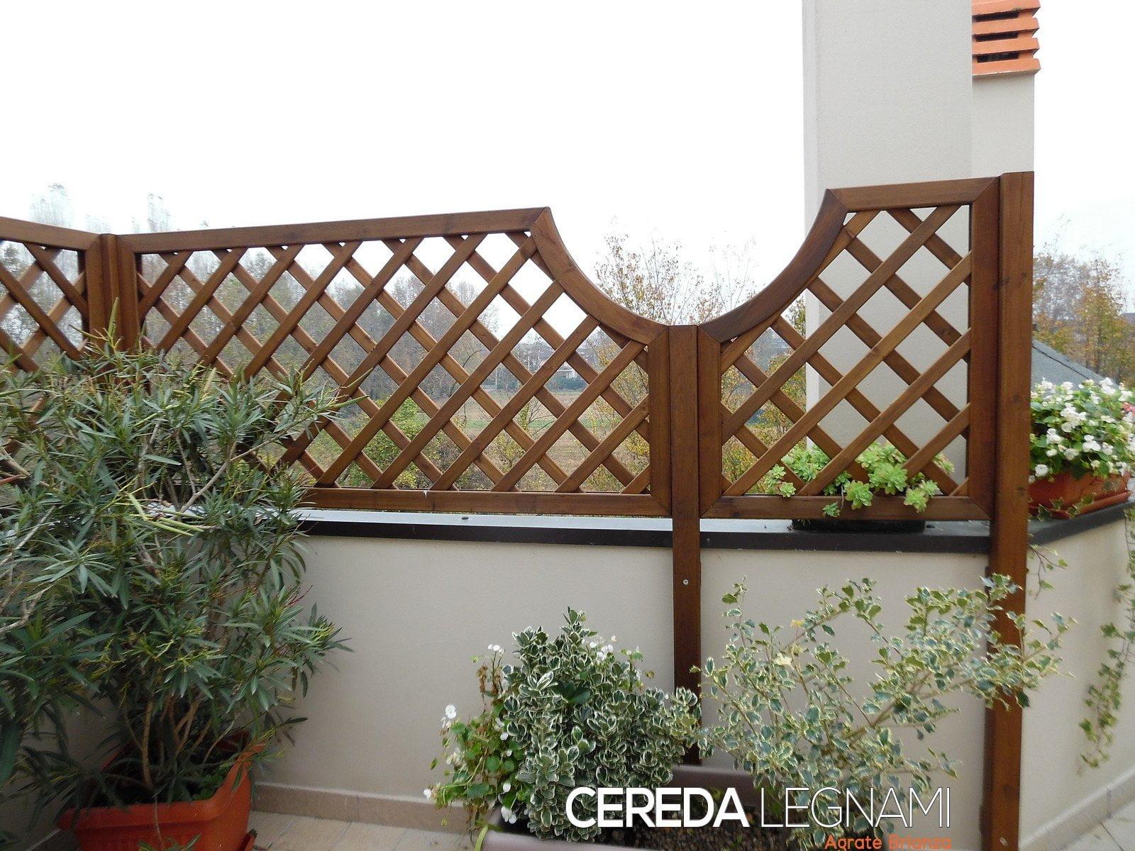 Vasi fioriere grigliati in legno00011 cereda legnami for Grate in legno per balconi