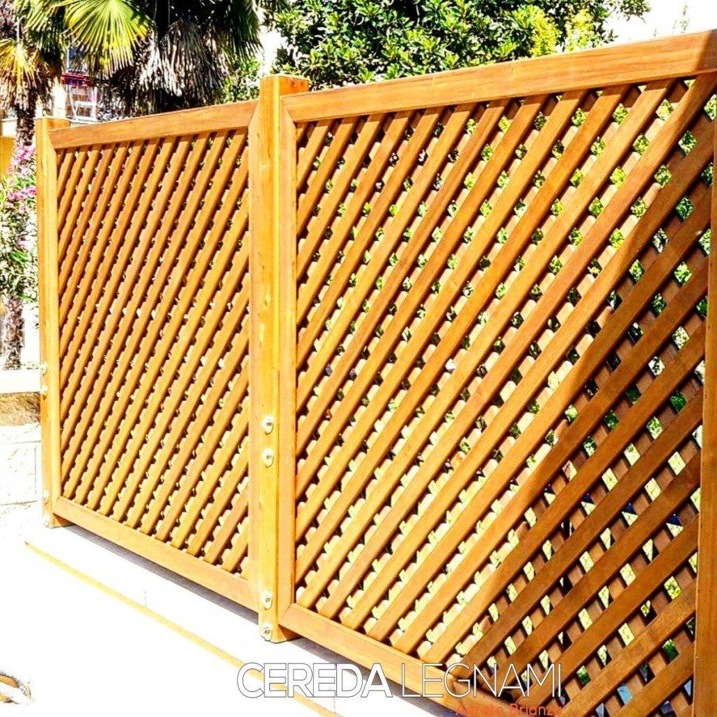 Divisori In Plexiglass Per Esterni pannelli grigliati in legno, vasi e fioriere in legno