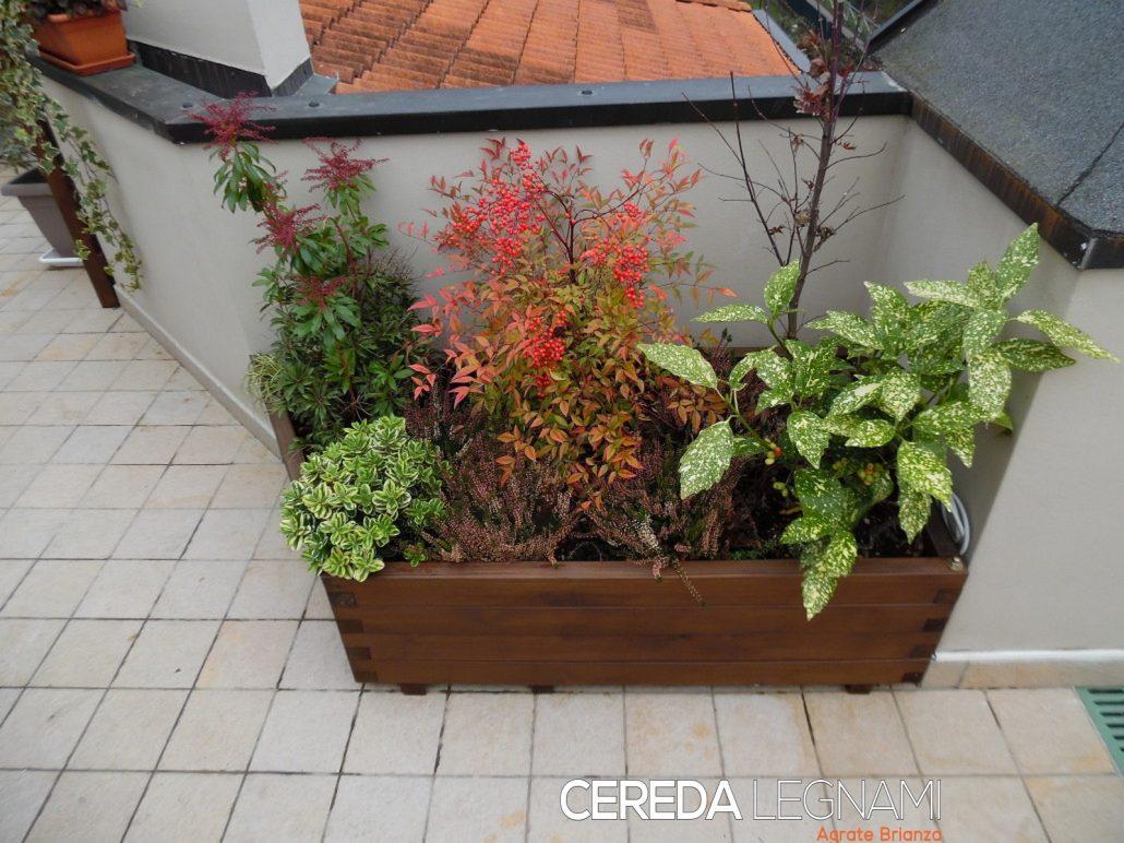 Vasi fioriere e grigliati in legno cereda legnami for Vasi di legno