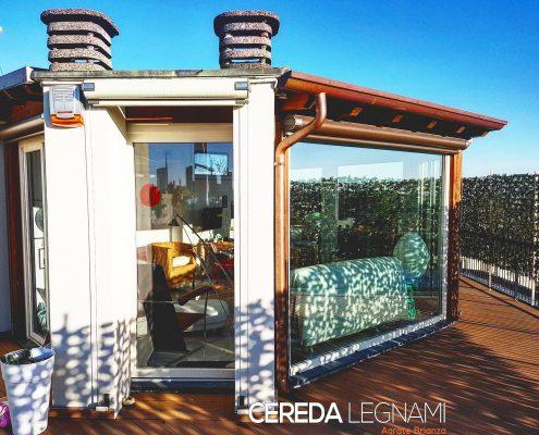 Veranda in legno realizzata a Milano