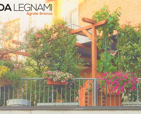Pergola da terrazzo e giardino in legno realizzata da Cereda Legnami