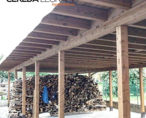 esempio di copertura in legno con teli pvc