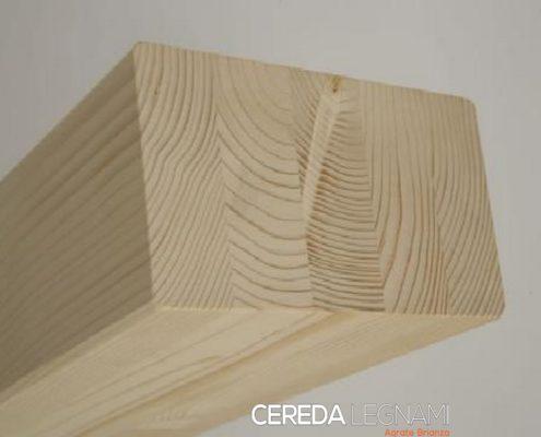 Dettaglio di legno lamellare abete Cereda Costruzioni.