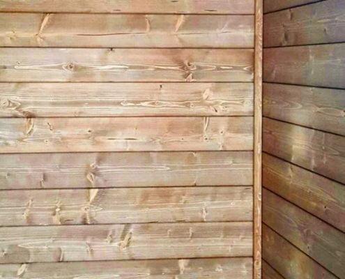 rivestimento di una parete con perline legno abete di prima scekta