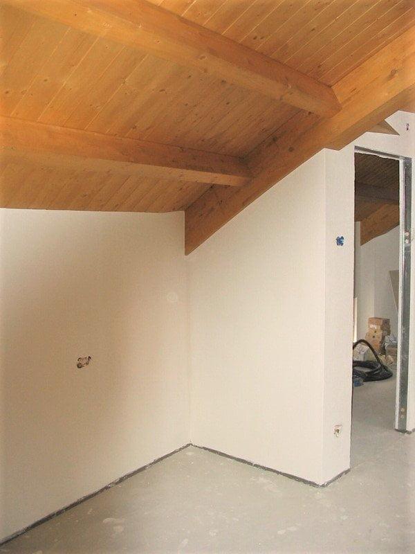 Perlinato di abete per rivestire ed isolate mansarde, soffitte e sottotetti.
