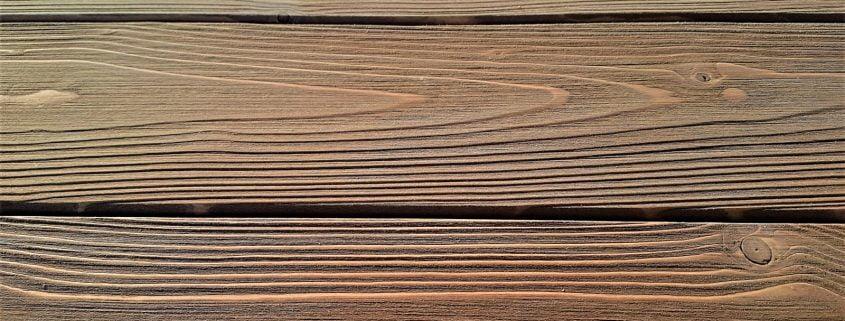 Dettaglio Perline di legno con finitura spazzolata e rusticata
