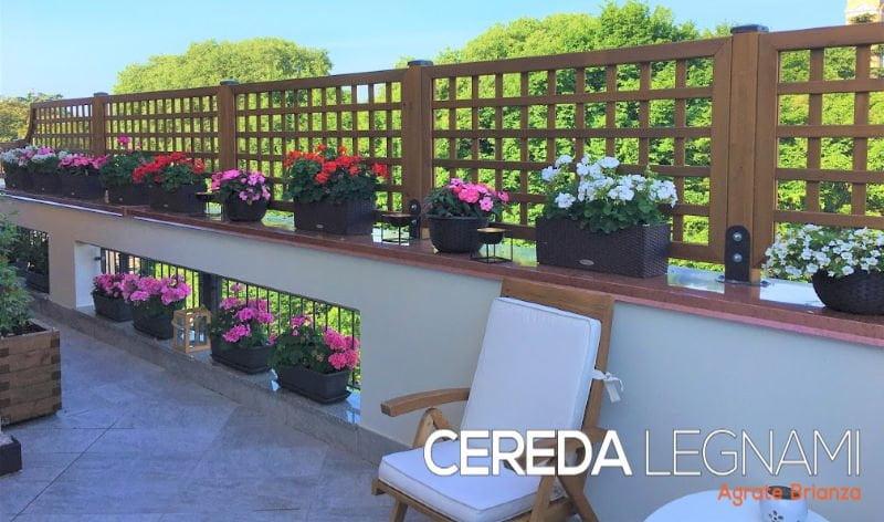 Grigliato in legno per il terrazzo di Cereda Legnami